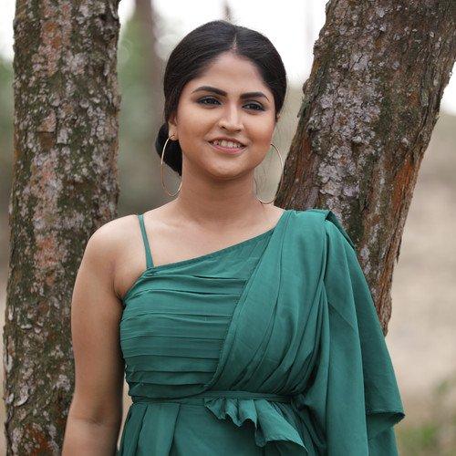 Listen To Bahut Pyaar Karte Hain Songs By Sadhana Sargam Download