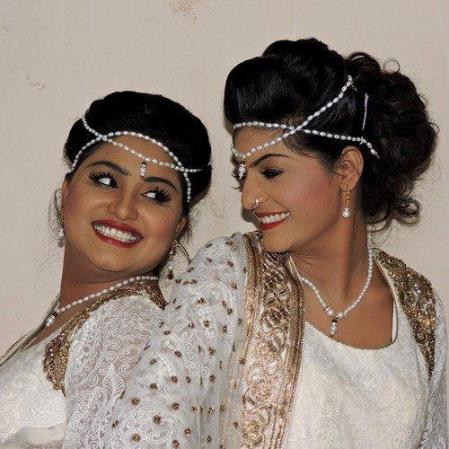 Nooran Sisters - Top Albums - Download or Listen Free Online